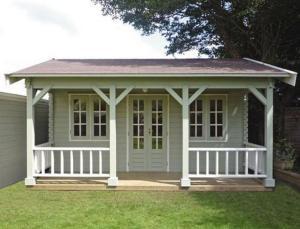 Lugarde log cabin