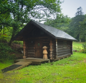 Grizedale log cabin